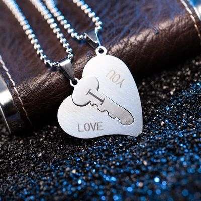 2Pcs=1 sets of lovers jewelry European and American fashion stainless steel heart-shaped key pendant I love you couple necklace