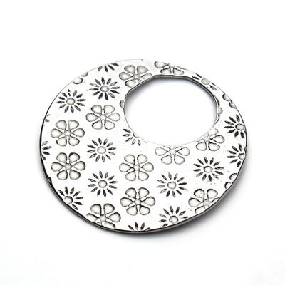 DoreenBeads Stainless Steel Pendants Round Style Flower Pattern Silver Color Jewelry DIY Findings Components 28mm Dia , 10 PCs