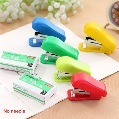 Random Color Small Mini Office Stationery Plastic Solid Portable Student Use Without Stapler Cute Stapler For No. 10 Staples