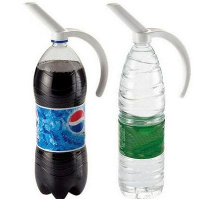 2017 Plastic Bottled Beverage Handle Soda Coke Drinkeware Water Spout Bottle 619
