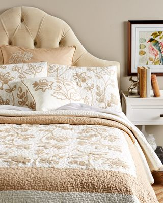 DISCONTINUED C&F Abigail Quilt Collection