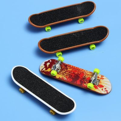 2 Pcs Finger Skateboard Toy Kids Mini Fingerboard Toy Animation Neighboring Model Alloy & ABS Children Playing Toys #20