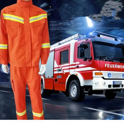 Anti-high temperature fire emergency rescue suit anti-wear flame retardant insulation rescue disaster relief rescue suit